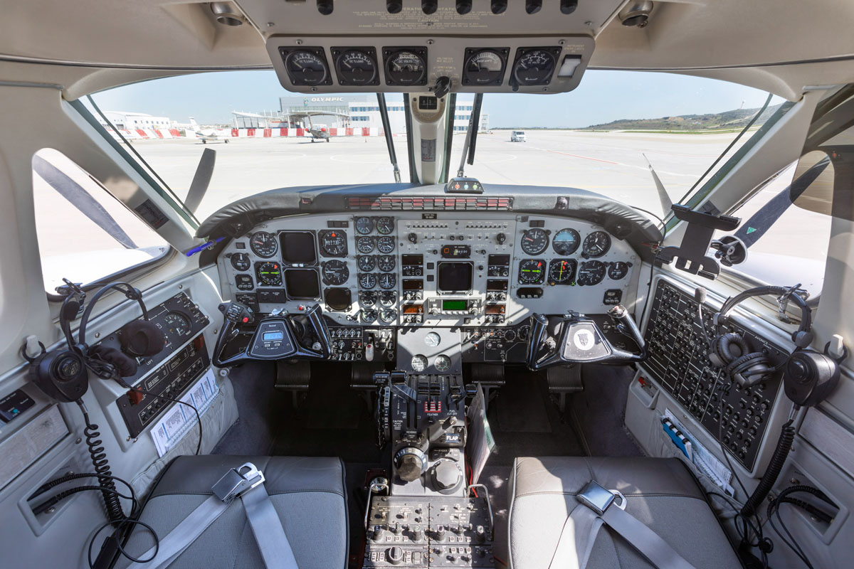 VIP Airplane Transfers - King Air C90B - Cockpit View